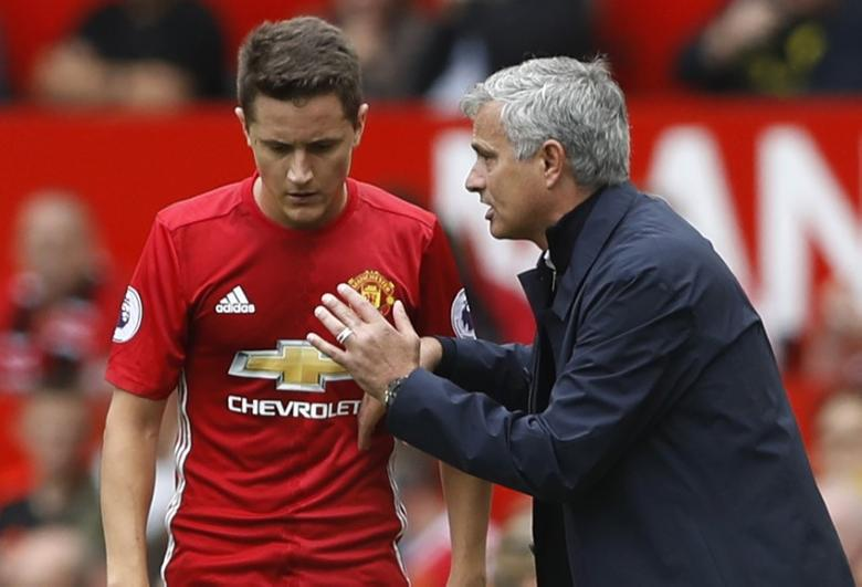 Britain Soccer Football - Manchester United v Manchester City - Premier League - Old Trafford - 16/17 - 10/9/16Manchester United manager Jose Mourinho talks to Ander HerreraAction Images via Reuters / Carl Recine