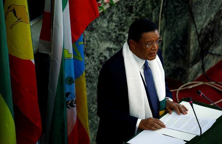 Ethiopian president Mulatu Teshome addresses members of the Ethiopian Parliament and the House of Federation about the declaration of the state of emergency, in Addis Ababa, Ethiopia, October 10, 2016. REUTERS/Tiksa Negeri