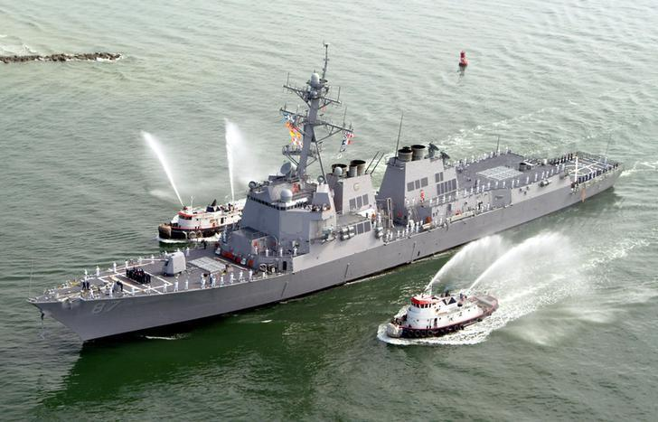 The USS Mason (DDG 87), a guided missile destroyer, arrives at Port Canaveral, Florida, April 4, 2003. REUTERS/Karl Ronstrom/Files