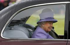 Britain's Queen Elizabeth leaves the annual Braemar Highland Gathering in Braemar, Scotland, Britain September 3, 2016. REUTERS/Russell Cheyne