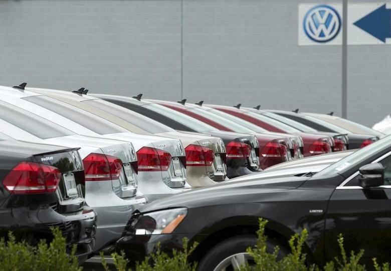2015年9月21日,美国加州圣迭戈一家大众汽车经销店停放的新车。REUTERS/Mike Blake