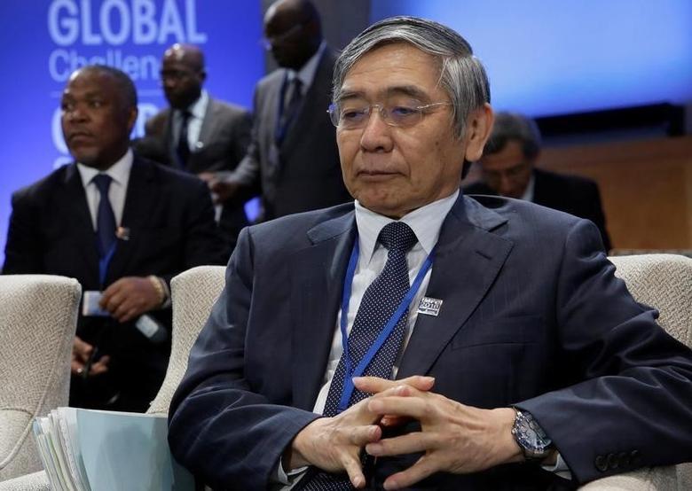 Governor of the Bank of Japan Haruhiko Kuroda attends IMFC plenary during the IMF/World Bank annual meetings in Washington, U.S., October 8, 2016. REUTERS/Yuri Gripas