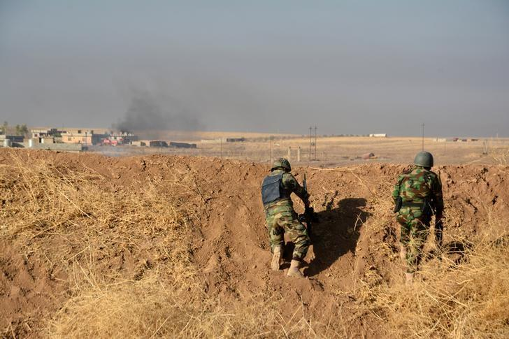 Peshmerga forces gather in the east of Mosul to attack Islamic State militants in Mosul, Iraq, October 17, 2016. REUTERS/Stringer