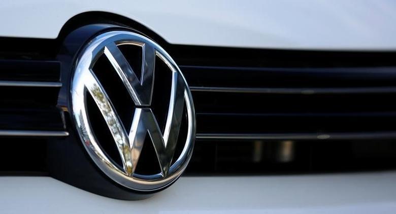 The logo of German car maker Volkswagen is seen on a car outside a garage in Vienna, Austria, September 29, 2016.   REUTERS/Leonhard Foeger
