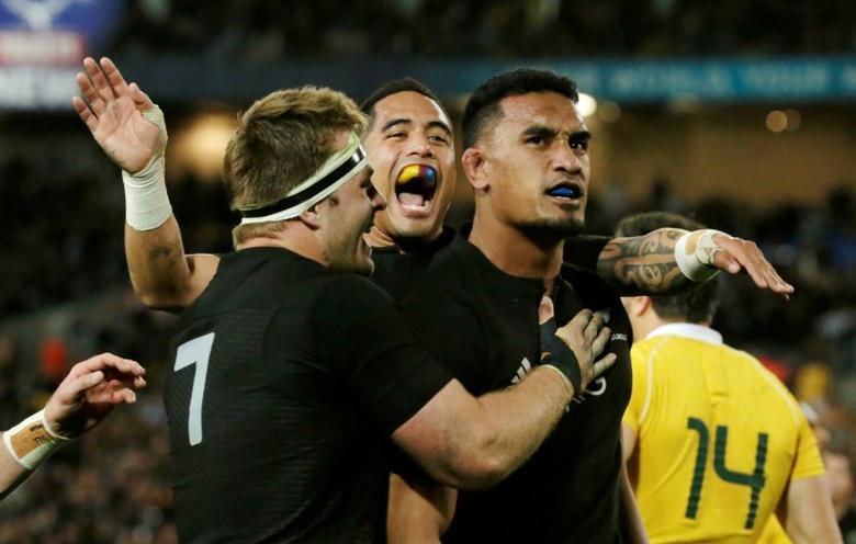 Australia Rugby Union - Bledisloe Cup - Australia's Wallabies v New Zealand All Blacks - Olympic Stadium, Sydney, Australia - 20/8/16  New Zealand's flanker Jerome Kaino (R) celebrates his try with team mates.   REUTERS/Jason Reed