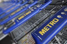 Le distributeur allemand Metro a fait état mercredi d'un chiffre d'affaires au quatrième trimestre en baisse, en raison notamment de performances décevantes pour son enseigne d'électronique grand public Media Saturn. /Photo d'archives/REUTERS/Wolfgang Rattay