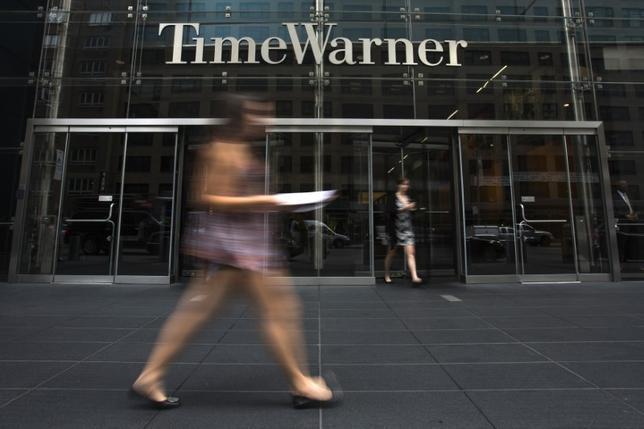 10月21日、米通信大手AT&Tが、メディア大手タイム・ワーナーを約850億ドルで買収する方向で大筋合意したと、関係筋が明らかにした。写真は2014年7月、ニューヨークのタイム・ワーナー・センターで撮影(2016年 ロイター/Adrees Latif)