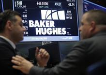 Baker Hughes, à suivre à Wall Street, a annoncé une perte trimestrielle nettement inférieure aux attentes grâce à ses mesures drastiques de réduction des coûts. Le titre prend 3,55% en avant-Bourse. /Photo d'archives/REUTERS/Brendan McDermid