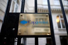 Capgemini perd 7,28% à 76,62 euros alors que le chiffre d'affaires s'établie à 3.019 millions d'euros (2,1% en organique), soit en-dessous du consensus Inquiry Financial/Reuters. Selon un analyste, Capgemini dit s'attendre également à des vents contraires pour les trimestres à venir et à une croissance organique au T4 sera similaire au T3. /Photo d'archives/REUTERS/Charles Platiau