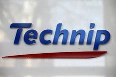 Technip, en tête des hausses du CAC 40 (+4,12% vers 13h00), a dévoilé des résultats supérieurs aux attentes et a dit être en bonne voie pour boucler en janvier 2017 son rapprochement avec FMC Technologies. /Photo d'archives/REUTERS/Charles Platiau