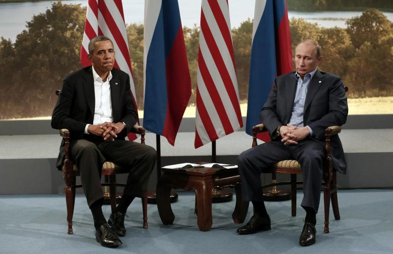 U.S. President Barack Obama (L) meets with Russian President Vladimir Putin during the G8 Summit at Lough Erne in Enniskillen,  Northern Ireland June 17, 2013.   REUTERS/Kevin Lamarque