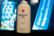 A bottle of Johnson and Johnson Baby Powder is seen in a photo illustration taken in New York, February 24, 2016. REUTERS/Shannon Stapleton/Illustration/File Photo