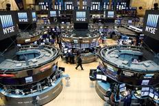 Les banques et les courtiers se préparaient mardi à la possibilité d'une nouvelle tourmente sur les marchés financiers si les résultats des élections américaines ne correspondent pas au scénario attendu par les investisseurs. /Photo d'archives/REUTERS/Brendan McDermid