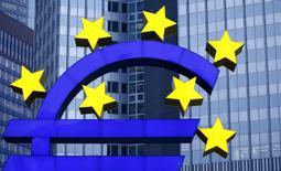 La zone euro dans son ensemble doit assouplir légèment sa politique budgétaire l'an prochain pour la rendre modérément expansive et contribuer ainsi à la relance de l'économie. /Photo d'archives/REUTERS/Kai Pfaffenbach
