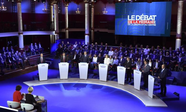 French politicians (from L-R) Alain Juppe, Francois Fillon, Bruno Le Maire, Nathalie Kosciusko-Morizet, Nicolas Sarkozy, Jean-Frederic Poisson and Jean-Francois Cope attend the second prime-time televised debate for the French conservative presidential primary in Paris, France, November 3, 2016. REUTERS/Eric Feferberg/Pool