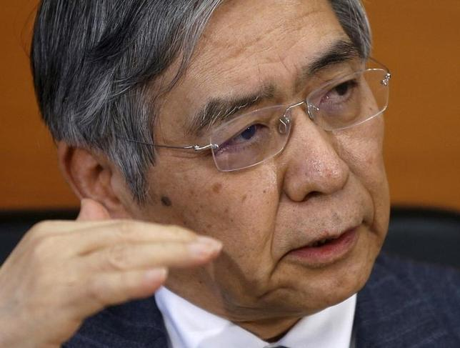 11月17日、黒田東彦日銀総裁は午前の参院財政金融委員会で、米金利の上昇につれて日本の金利に上昇圧力がかかる中、長短金利を操作目標としたイールドカーブ・コントロール(YCC)政策の下では、日本の金利上昇を容認することはない、と語った。写真は都内で3月撮影(2016年 ロイター/Toru Hanai)