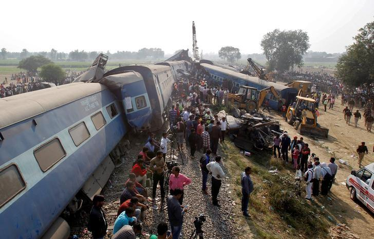 India train derails, at least 119 killed, more than 150
