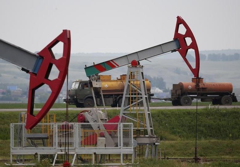 2015年7月11日,俄罗斯乌法以北Bashneft石油公司旗下油田的抽油机。REUTERS/Sergei Karpukhin