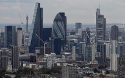 L'OCDE s'attend à ce que la croissance mondiale reprenne un peu plus d'élan que prévu au cours des deux prochaines années, sous l'effet de la politique de relance envisagée aux Etats-Unis. Dans ses prévisions d'automne, l'organisation économiques voit la croissance mondiale passer à 3,3% en 2017. /Photo d'archives/REUTERS/Hannah McKay