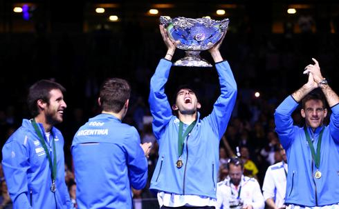 Argentina breaks drought and Davis Cup