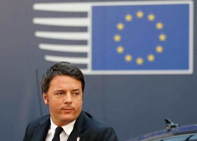 2015年12月17日,意大利总理伦齐出席欧盟领导人峰会的资料图。REUTERS/Francois Lenoir