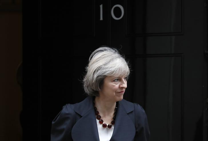 Britain's Prime Minister Theresa May waits to greet Belgian Prime Minister Charles Michel at Downing Street in London, Britain November 22, 2016.   REUTERS/Stefan Wermuth