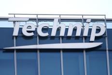 Technip, qui est à suivre mardi à la Bourse de Paris, a annoncé lundi que ses actionnaires et ceux de FMC Technologies avaient approuvé le projet de fusion des deux groupes. La réalisation de l'opération est prévue pour le début de 2017. /Photo d'archives/REUTERS/Charles Platiau