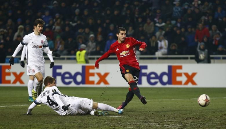 Manchester United's Henrikh Mkhitaryan scores their first goal. FC Zorya Luhansk v Manchester United - UEFA Europa League Group Stage - Group A - Chornomorets Stadium, Odessa, Ukraine - 8/12/16.  Action Images via Reuters / Peter Cziborra Livepic