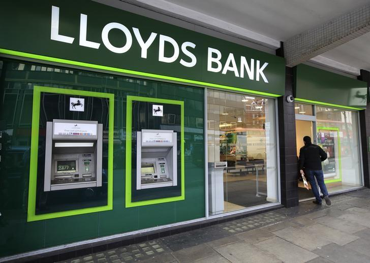 A man enters a Lloyds Bank branch in central London, Britain February 25, 2016. REUTERS/Paul Hackett