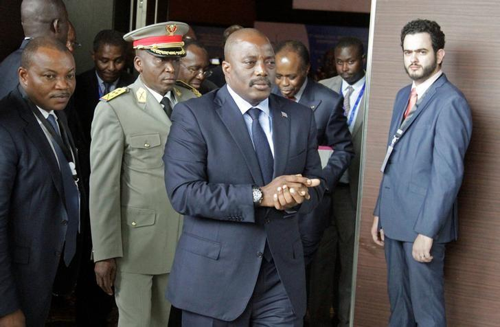 Democratic Republic of Congo's President Joseph Kabila arrives for a southern and central African leaders' meeting to discuss the political crisis in the Democratic Republic of Congo in Luanda, Angola, October 26, 2016. REUTERS/Kenny Katombe