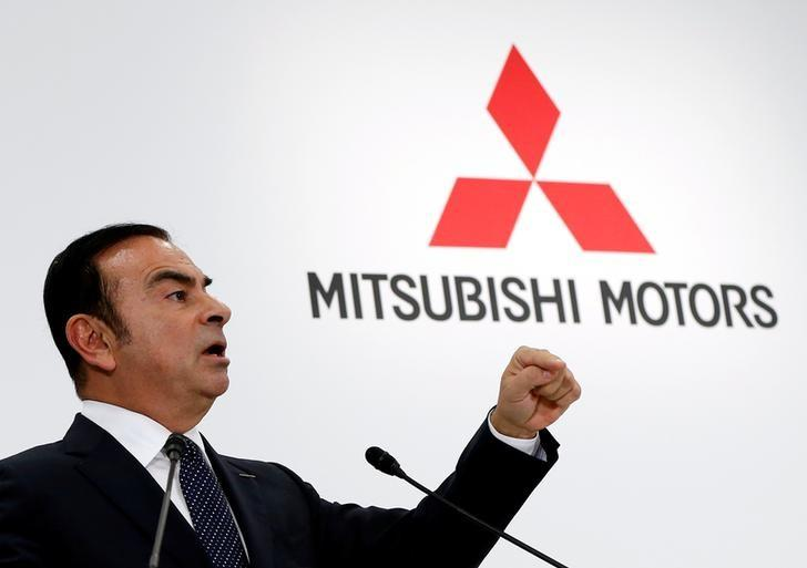 Carlos Ghosn, Chairman and CEO of the Renault-Nissan Alliance attends a joint news conference with Mitsubishi Motors Corp's Chairman and CEO Osamu Masuko in Tokyo, Japan, October 20, 2016. REUTERS/Issei Kato
