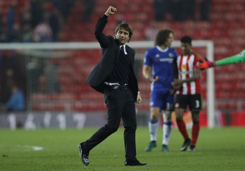 Britain Football Soccer - Sunderland v Chelsea - Premier League - The Stadium of Light - 14/12/16 Chelsea manager Antonio Conte celebrates after the game Action Images via Reuters / Lee Smith Livepic