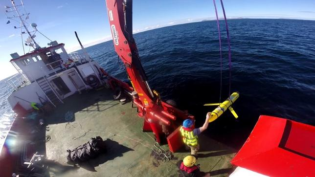 An unmanned underwater vehicle similiar to the one seized by the Chinese Navy.   Courtesy Santiago Carrizosa/U.S. Navy