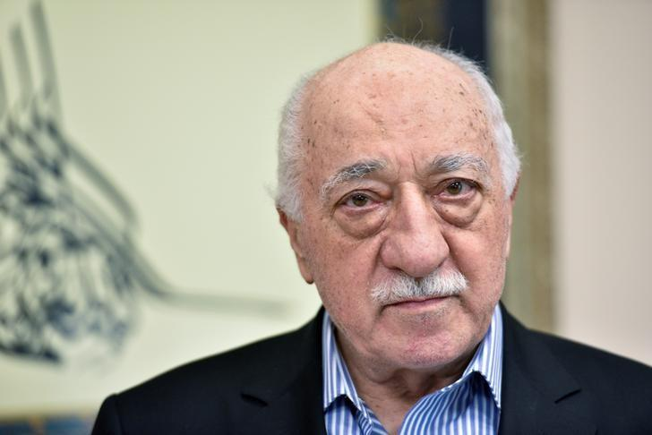 U.S. based cleric Fethullah Gulen at his home in Saylorsburg, Pennsylvania, U.S. July 29, 2016.  REUTERS/Charles Mostoller/Files