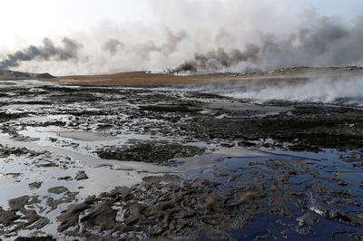 Burning oilfields of Mosul