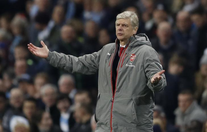 Britain Football Soccer - Manchester City v Arsenal - Premier League - Etihad Stadium - 18/12/16 Arsenal manager Arsene Wenger  Action Images via Reuters / Carl Recine Livepic