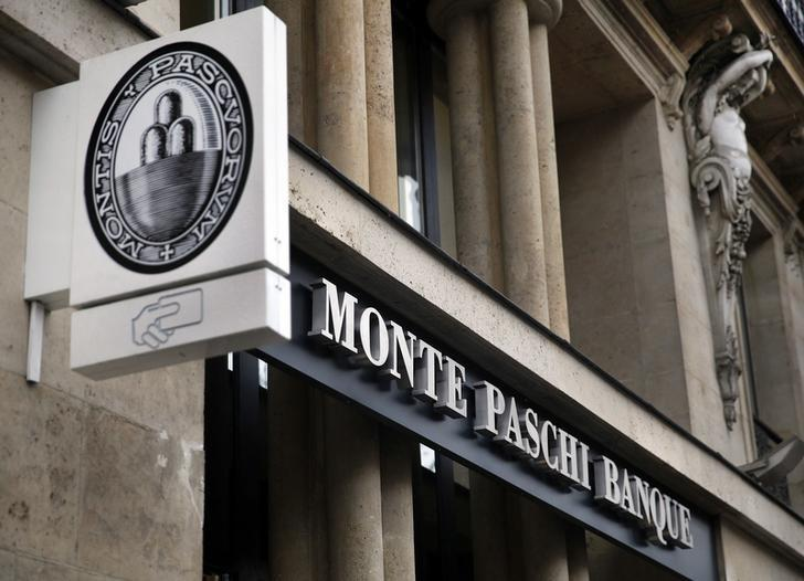 A Monte Paschi Banque bank branch, part of the Italian Groupe Montepaschi, is seen in Paris, France, March 9, 2016.   REUTERS/Mal Langsdon /File Photo