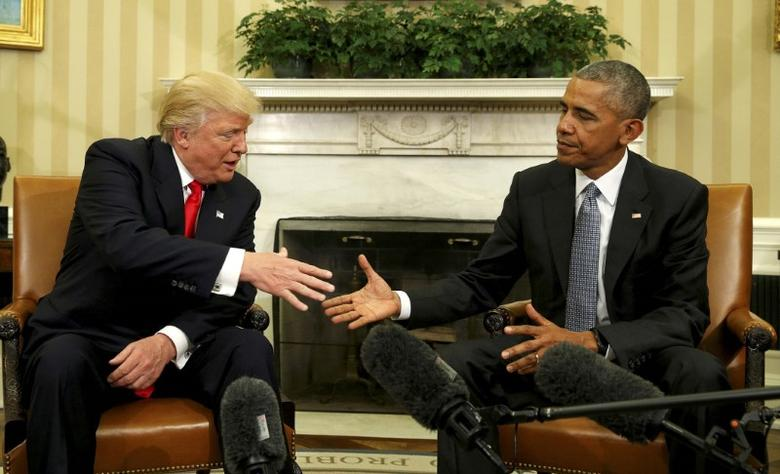 U.S. President Barack Obama meets with President-elect Donald Trump in the Oval Office of the White House in Washington November 10, 2016. REUTERS/Kevin Lamarque/File Photo