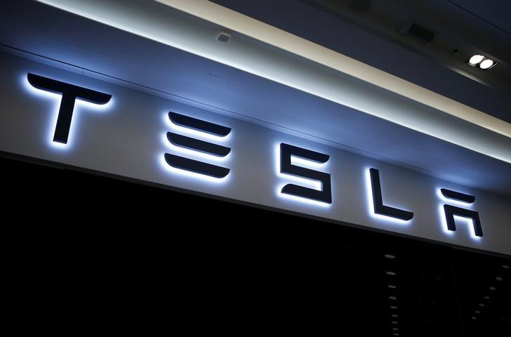 A Tesla logo is seen at its planned store in Hanam, South Korea, December 22, 2016. Picture taken December 22, 2016.   REUTERS/Kim Hong-Ji/Files