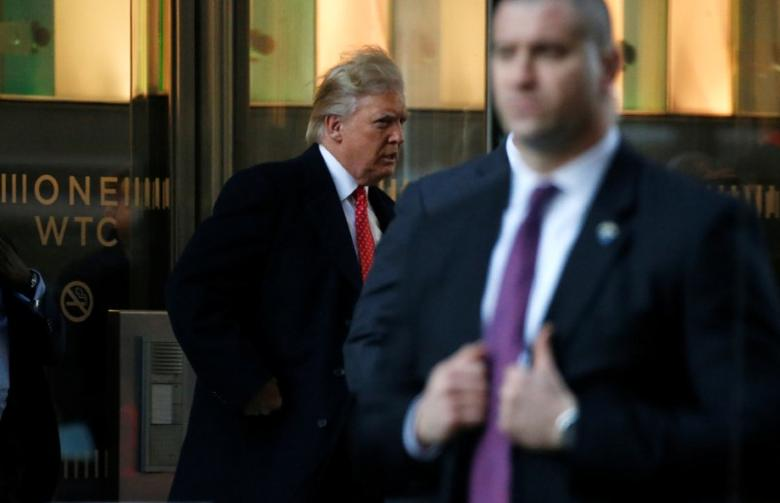 U.S. President-elect Donald Trump exits One World Trade Center following a meeting in Manhattan, New York City, U.S., January 6, 2017.  REUTERS/Brendan McDermid