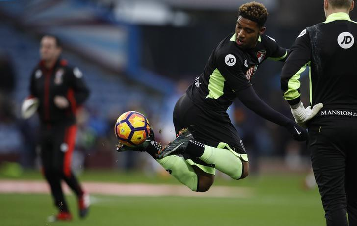 Football Soccer Britain - Burnley v AFC Bournemouth - Premier League - Turf Moor - 10/12/16 Bournemouth's Jordon Ibe warms up before the match  Reuters / Phil Noble Livepic/Files