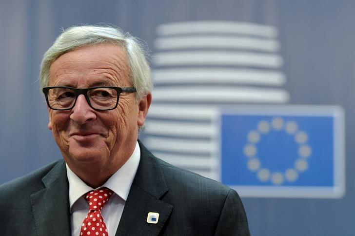 European Commission President Jean-Claude Juncker arrives at the EU summit in Brussels, Belgium, October 21, 2016. REUTERS/Eric Vidal
