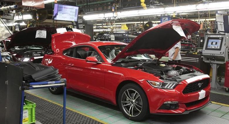 A 2015 Ford Mustang vehicle moves down the production line at the Ford Motor Flat Rock Assembly Plant in Flat Rock, Michigan, August 20, 2015.  REUTERS/Rebecca Cook/Files