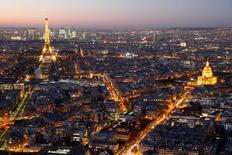 """La France a reçu des marques d'intérêt """"très significatives"""" de la part de groupe financiers internationaux désireux d'installer des activités sur son territoire depuis le référendum sur la sortie de la Grande-Bretagne de l'Union européenne. /Photo prise le 28 novembre 2016/REUTERS/Charles Platiau"""