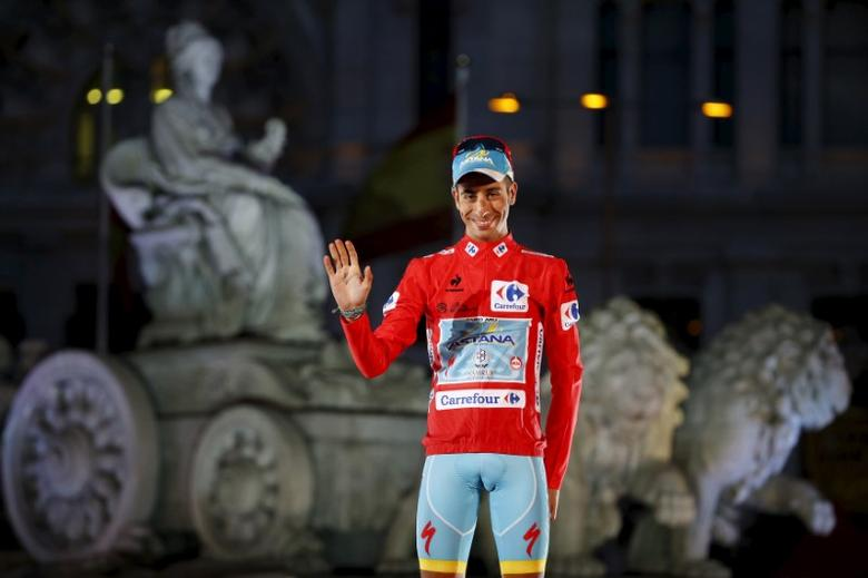 Astana's Fabio Aru of Italy celebrates after winning the Vuelta Tour of Spain after the last stage of the cycling race between Alcala de Henares and Madrid, September 13, 2015. REUTERS/Javier Barbancho