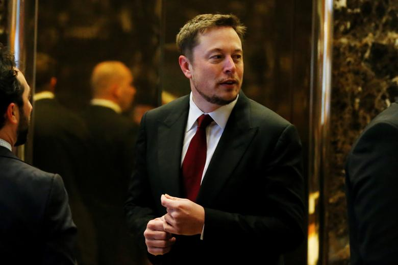 Tesla Chief Executive, Elon Musk enters the lobby of Trump Tower in Manhattan, New York, U.S., January 6, 2017. REUTERS/Shannon Stapleton