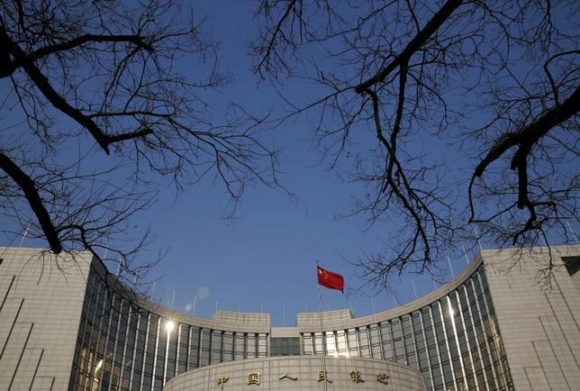 2月3日、中国人民銀行(中央銀行、写真)は、常設貸出ファシリティー(SLF)の金利を引き上げた。写真は北京で昨年1月撮影(2017年 ロイター/Kim Kyung-Hoon)