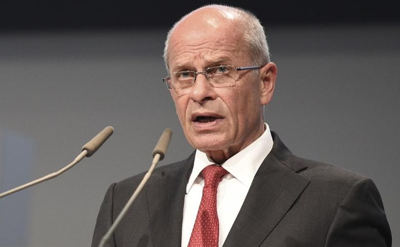 File Photo: Berthold Huber delivers his speech at the start of the Volkswagen annual shareholder meeting in Hanover, Germany, May 5, 2015.  REUTERS/Fabian Bimmer