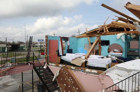 Tornadoes rip through New Orleans