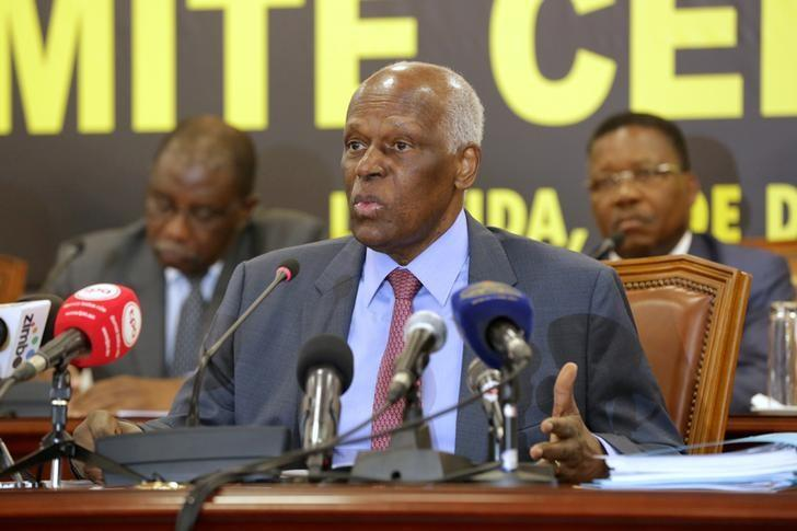 Angolan President and MPLA leader Jose Eduardo dos Santos attends a party central committee at a meeting in Luanda, Angola, December 2, 2016. REUTERS/Herculano Coroado/File Photo